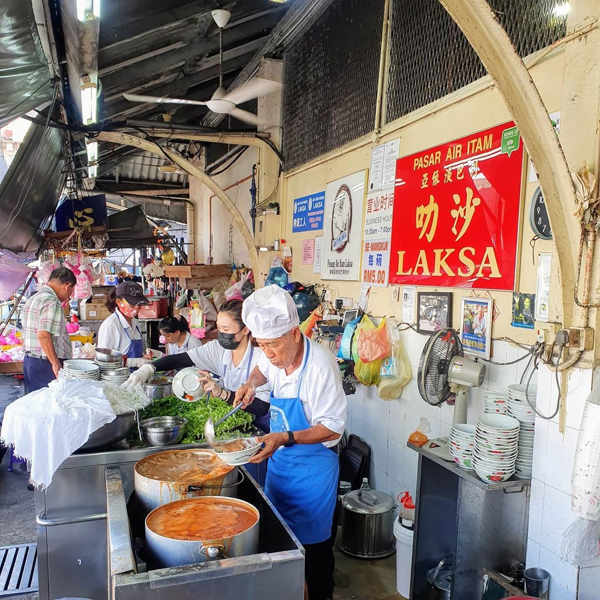 Busy Atmosphere At Pasar Air Itam Laksa (亞依淡巴剎叻沙)