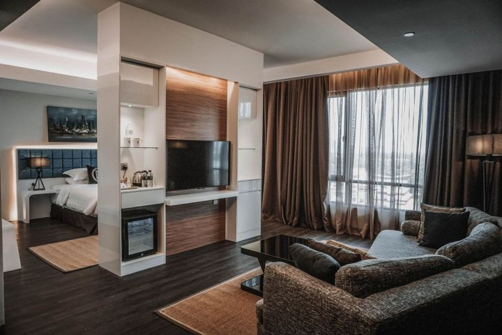Executive Suite in M Roof Hotel & Residences