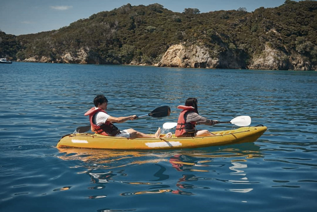 Kayaking with The Rock Adventure Cruise in the Bay of Islands, New Zealand