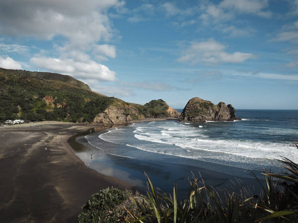 Piha black sand beach - a must visit in Auckland, New Zealand - more on www.travelswithsun.com