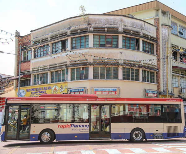 Rapid Penang Bus Making A Turn At Chulia Street, George Town, Penang