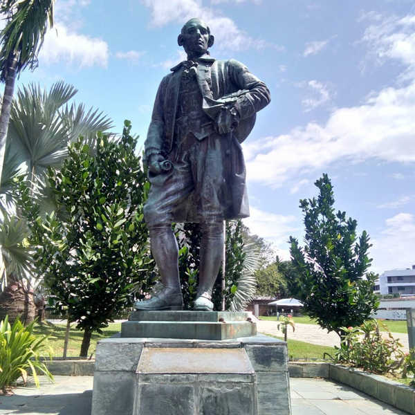Regal Statue Of Francis Light In The Fort Cornwallis Compound