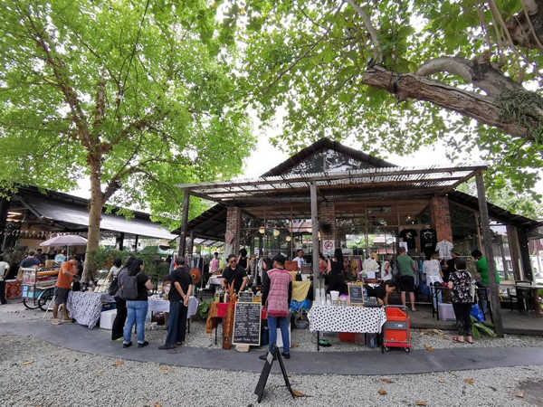 Sunday Crafts Market At Hin Bus Depot Art Centre, Penang