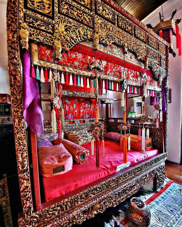 Traditional Bed At Penang Peranakan Mansion