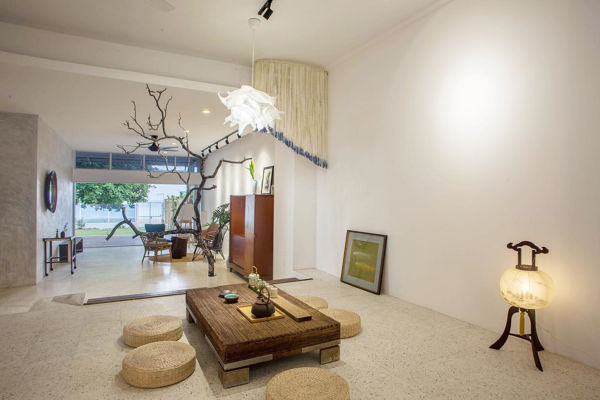Unique Living Room Design At Smell Rose Beach Garden Homestay
