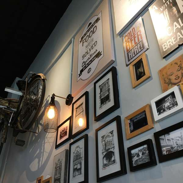 Vintage Cafe Ipoh wall decor - photo credits to iamhooiyee (Instagram)