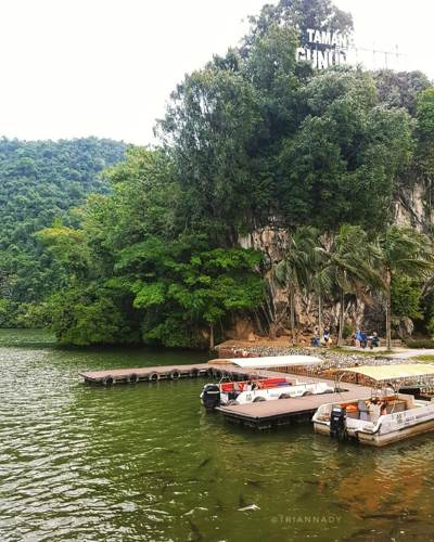 You can take a boat ride to the other side of Gunung Lang Recreational Park - photo credits to triannady (Instagram) - For the full list of things to do in Ipoh, go to www.travelswithsun.com